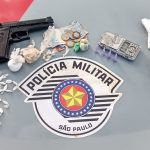 Condenado é flagrado com simulacro e drogas em Cruzeiro