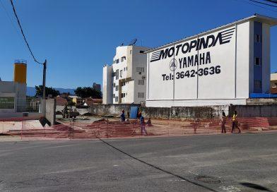 Para garantir fluidez no trânsito, Centro de Pindamonhangaba ganha nova rua