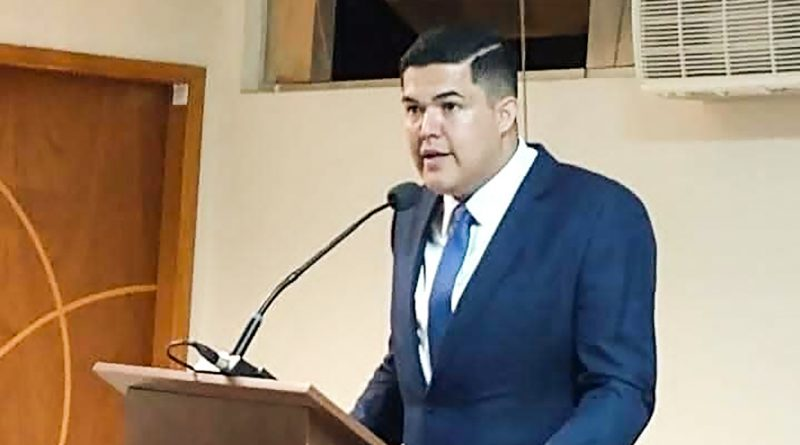 Câmara de Aparecida tem confusão por fala de vereador e rejeita fim da obrigatoriedade do ensino superior para chefe de sessões