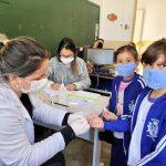 Para evitar avanço da Covid-19, Silveiras realiza testagem em massa de alunos